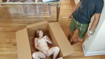 Exxxtra Small Unpacking a Petite Briar Rose