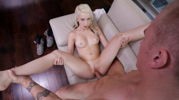 Exxxtra Small Itty Bitty Spinner Darcie Belle